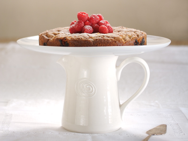 Italian berry & cinnamon cake