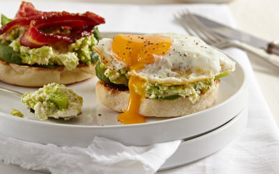 Crushed avocado & ricotta breakfast