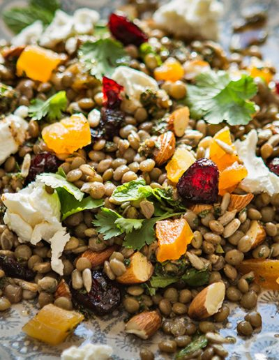 Autumn lentil salad with dried fruit