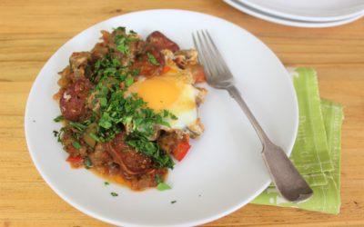 Ratatouille met eiers & chorizo