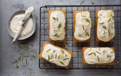 Mini lemon polenta cakes with herbs