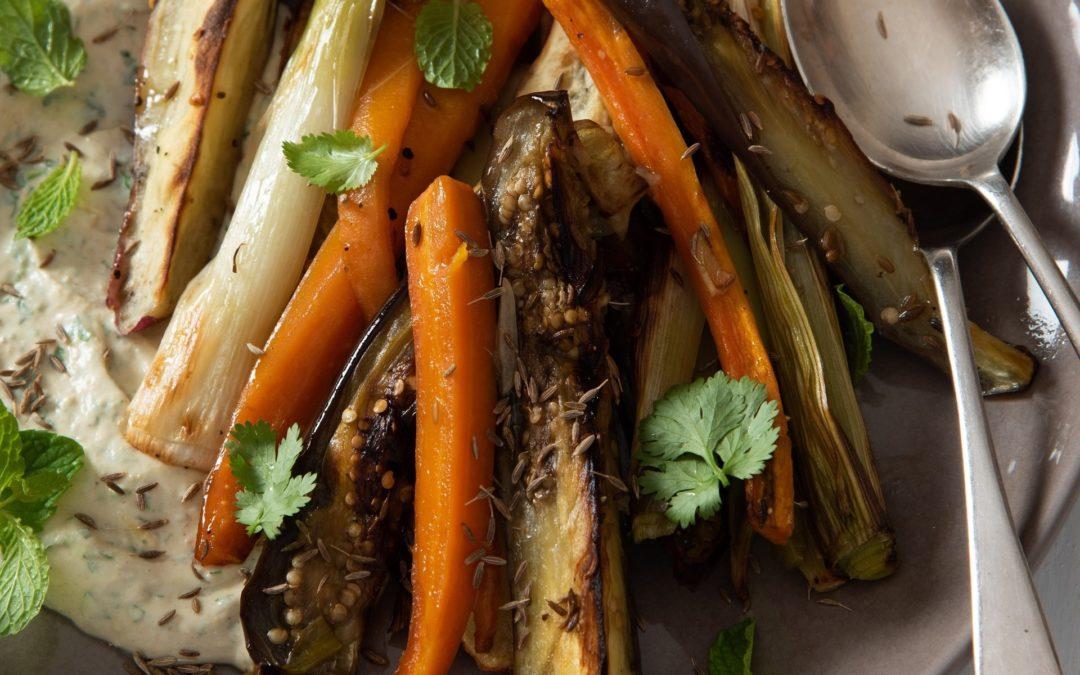 Oondgeroosterde wortels, patats & eiervrug met komyn
