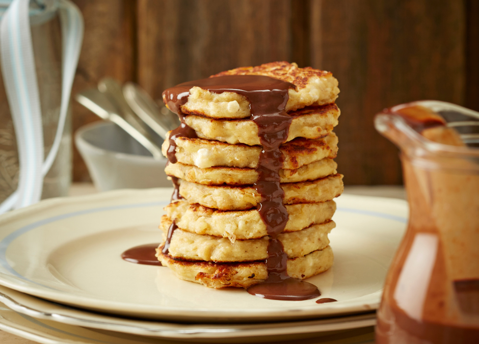Oat & ricotta crumpets with chocolate sauce